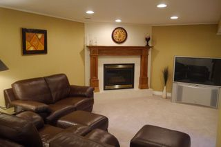Photo 9: 70 Burgundy Crescent in Winnipeg: Fort Garry Single Family Detached for sale (South Winnipeg)  : MLS®# 1413692
