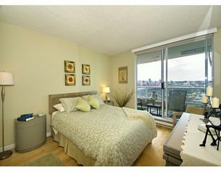 "Photo 5: 1605 1500 HOWE ST in Vancouver: False Creek North Condo for sale in ""THE DISCOVERY"" (Vancouver West)  : MLS®# V610831"