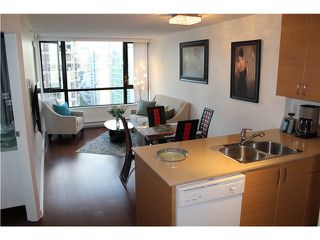 Photo 4: # 2210 909 MAINLAND ST in Vancouver: Yaletown Condo for sale (Vancouver West)  : MLS®# V1129575
