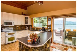 Photo 15: 689 Viel Road in Sorrento: Lakefront House for sale : MLS®# 10102875