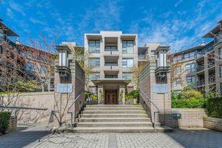 Photo 1: 108 2263 REDBUD LANE in Vancouver: Kitsilano Condo for sale (Vancouver West)  : MLS®# R2304538