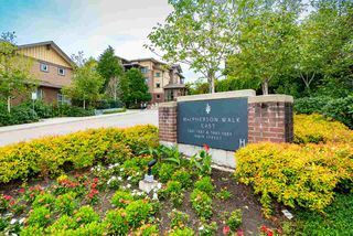 Main Photo: 312 5889 IRMIN Street in Burnaby: Metrotown Condo for sale (Burnaby South)  : MLS®# R2406301