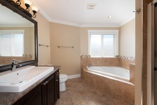 Photo 11: 14270 65 Avenue in Surrey: East Newton House for sale : MLS®# R2410573