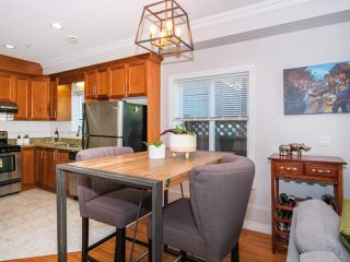 Photo 7: 2151 TRIUMPH Street in Vancouver: Hastings Sunrise House 1/2 Duplex for sale (Vancouver East)  : MLS®# R2412946