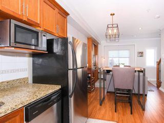 Photo 10: 2151 TRIUMPH Street in Vancouver: Hastings Sunrise House 1/2 Duplex for sale (Vancouver East)  : MLS®# R2412946