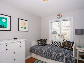 Photo 12: 2151 TRIUMPH Street in Vancouver: Hastings Sunrise House 1/2 Duplex for sale (Vancouver East)  : MLS®# R2412946