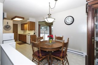 Photo 5: 4515 200A Street in Langley: Langley City House for sale : MLS®# R2428905