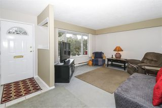 Photo 3: 4515 200A Street in Langley: Langley City House for sale : MLS®# R2428905