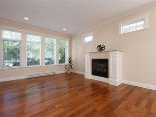 Photo 4: 2377 OAKVILLE Ave in Sidney: Si Sidney South-East House for sale : MLS®# 839345