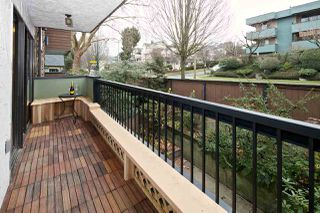 "Photo 24: 206 1484 CHARLES Street in Vancouver: Grandview Woodland Condo for sale in ""Landmark Arms"" (Vancouver East)  : MLS®# R2494988"