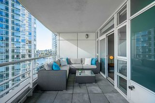 Photo 15: 1702 189 DAVIE STREET in Vancouver: Yaletown Condo for sale (Vancouver West)  : MLS®# R2504054
