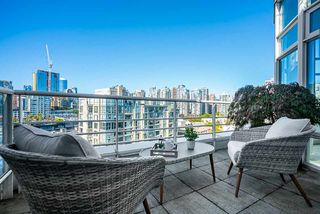Photo 26: 1702 189 DAVIE STREET in Vancouver: Yaletown Condo for sale (Vancouver West)  : MLS®# R2504054