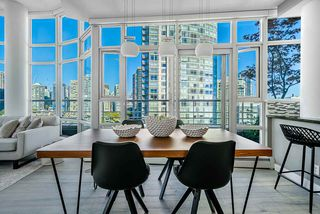 Photo 5: 1702 189 DAVIE STREET in Vancouver: Yaletown Condo for sale (Vancouver West)  : MLS®# R2504054