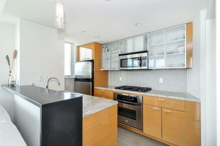 Photo 8: 2206 33 Smithe Street in Vancouver: Yaletown Condo for sale (Vancouver West)  : MLS®# V1090861