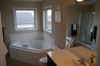 Photo 9: 103 Colbourne Drive in Winnipeg: South Point Single Family Detached for sale (South Winnipeg)  : MLS®# 1509646