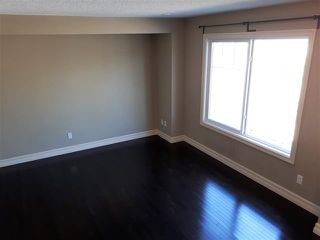 Photo 2: 5405 3 AV SW: Edmonton Townhouse for sale : MLS®# E4103132