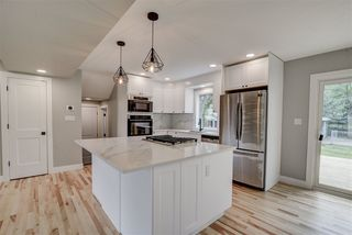 Photo 8: 8219 101 Avenue in Edmonton: Zone 19 House for sale : MLS®# E4168621