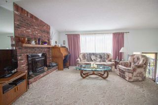 Photo 3: 5610 OCEAN Avenue in Sechelt: Sechelt District House for sale (Sunshine Coast)  : MLS®# R2398476
