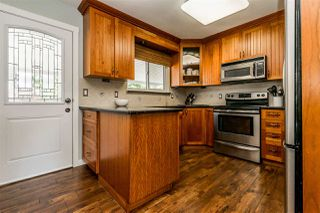 Photo 7: 20867 52A Avenue in Langley: Langley City House for sale : MLS®# R2401414