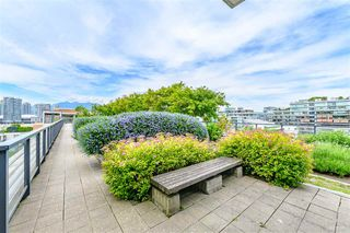 "Photo 3: 703 123 W 1 Avenue in Vancouver: False Creek Condo for sale in ""Compass"" (Vancouver West)  : MLS®# R2404404"