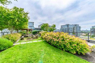 "Photo 5: 703 123 W 1 Avenue in Vancouver: False Creek Condo for sale in ""Compass"" (Vancouver West)  : MLS®# R2404404"