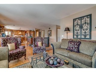 """Photo 3: 9839 HALL Street in Mission: Mission-West House for sale in """"Silvermere Lakefront"""" : MLS®# R2437429"""