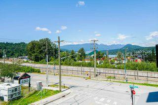 Photo 9: 207 2525 CLARKE STREET in Port Moody: Port Moody Centre Condo for sale : MLS®# R2481257