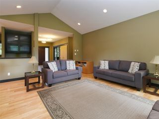 Photo 4: 3076 Sarah Dr in : Sk Otter Point House for sale (Sooke)  : MLS®# 858419