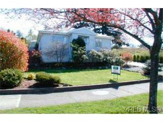 Photo 1: 1235 Lockley Rd in VICTORIA: Es Rockheights House for sale (Esquimalt)  : MLS®# 283573