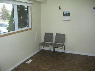 Photo 4: Wonderful 4 Bedroom Two Storey