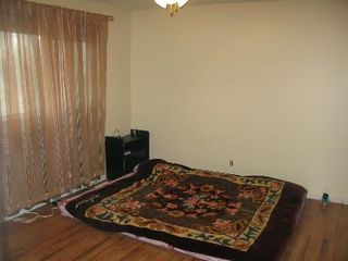 Photo 5: Wonderful 4 Bedroom Two Storey