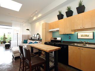 "Photo 11: 22 2156 W 12TH Avenue in Vancouver: Kitsilano Condo for sale in ""THE METRO"" (Vancouver West)  : MLS®# V960389"
