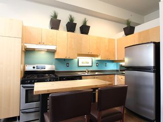 "Photo 9: 22 2156 W 12TH Avenue in Vancouver: Kitsilano Condo for sale in ""THE METRO"" (Vancouver West)  : MLS®# V960389"
