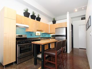 "Photo 15: 22 2156 W 12TH Avenue in Vancouver: Kitsilano Condo for sale in ""THE METRO"" (Vancouver West)  : MLS®# V960389"