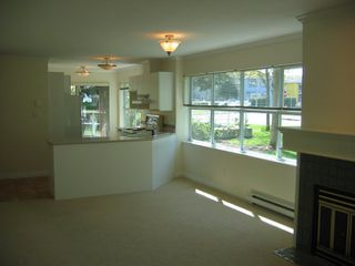 Photo 4: 110 15809 Marine Drive in Vista Del Mar: Home for sale