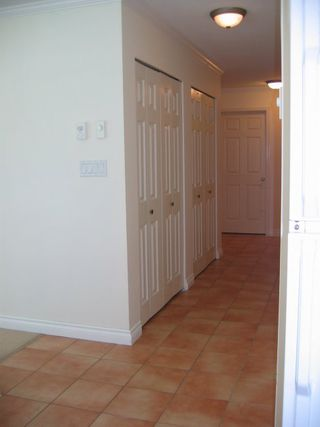 Photo 7: 110 15809 Marine Drive in Vista Del Mar: Home for sale