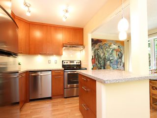 "Photo 17: # 312 1405 W 15TH AV in Vancouver: Fairview VW Condo for sale in ""LANDMARK GRAND"" (Vancouver West)  : MLS®# V1026332"