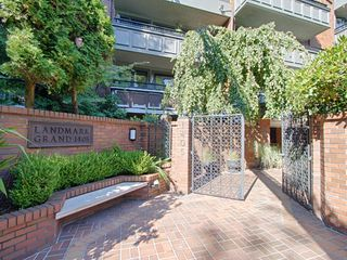 "Photo 2: # 312 1405 W 15TH AV in Vancouver: Fairview VW Condo for sale in ""LANDMARK GRAND"" (Vancouver West)  : MLS®# V1026332"