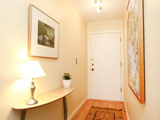 "Photo 4: # 312 1405 W 15TH AV in Vancouver: Fairview VW Condo for sale in ""LANDMARK GRAND"" (Vancouver West)  : MLS®# V1026332"