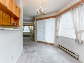 Photo 5: # 212 13959 16TH AV in Surrey: Sunnyside Park Surrey Condo for sale (South Surrey White Rock)  : MLS®# F1403422