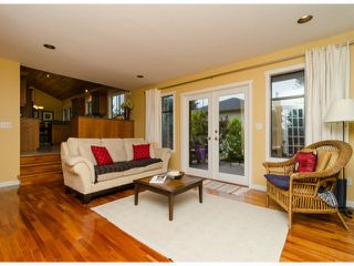 Photo 2: 14306 16A AV in Surrey: Sunnyside Park Surrey House for sale (South Surrey White Rock)  : MLS®# F1420330