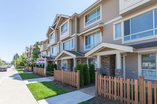 Main Photo: 19752 - 55A Avenue in Langley: Langley City Townhouse for rent