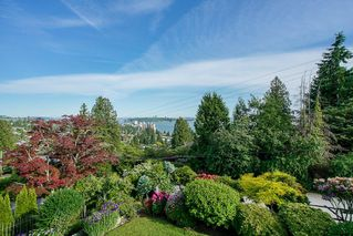 Photo 2: 1730 26th Street in West Vancouver: Dundarave House for sale : MLS®# R2375984
