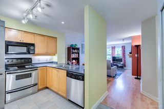 Photo 9: 208 38 SEVENTH AVENUE in New Westminster: GlenBrooke North Condo for sale : MLS®# R2383369