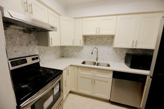 "Photo 9: 206 2133 DUNDAS Street in Vancouver: Hastings Condo for sale in ""Harbourgate"" (Vancouver East)  : MLS®# R2395295"