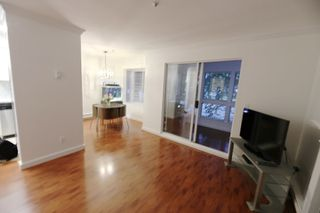 "Photo 8: 206 2133 DUNDAS Street in Vancouver: Hastings Condo for sale in ""Harbourgate"" (Vancouver East)  : MLS®# R2395295"