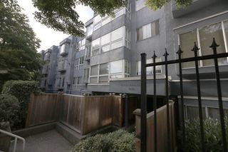 "Photo 20: 206 2133 DUNDAS Street in Vancouver: Hastings Condo for sale in ""Harbourgate"" (Vancouver East)  : MLS®# R2395295"