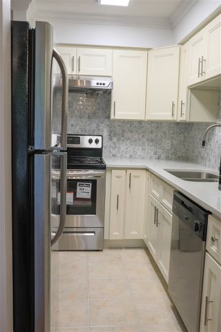 "Photo 10: 206 2133 DUNDAS Street in Vancouver: Hastings Condo for sale in ""Harbourgate"" (Vancouver East)  : MLS®# R2395295"