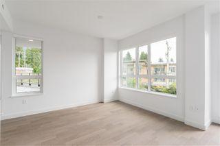 Photo 7: 205 3230 CONNAUGHT Crescent in North Vancouver: Edgemont Condo for sale : MLS®# R2401757