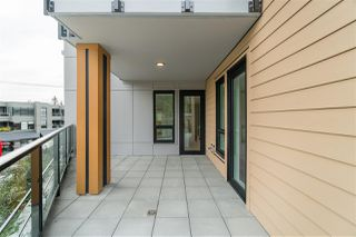 Photo 11: 205 3230 CONNAUGHT Crescent in North Vancouver: Edgemont Condo for sale : MLS®# R2401757